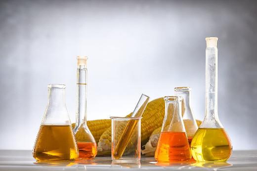 vetreria da laboratorio con biocarburanti a ricordare le white biotech